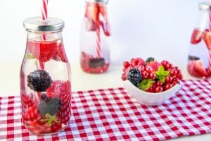 detox-water-berries